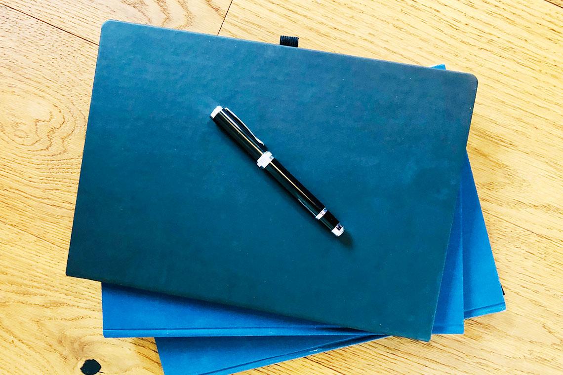 Ein Buch zu scheiben ist eine spannende Herausforderung für Autoren und Verleger.