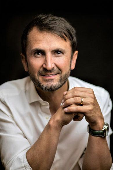 Autorenfoto Jakob Lipp, Autor vom Buch Kommunikative Kompetenz, 36 Mentalistenkniffe für Führungskräfte